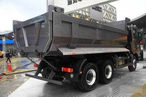 欧曼gtl6x4自卸车更是以强劲动力,高安全,高可靠,大空间,高舒适,在图片
