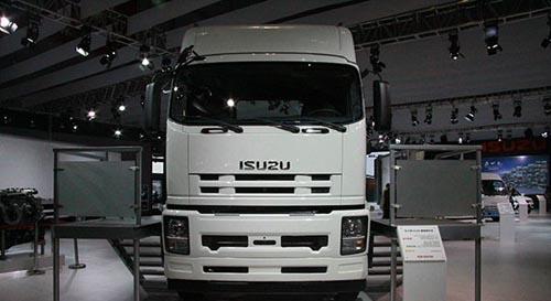 发动机的庆铃·五十铃vc46重型牵引车,是国内唯一一款无需使用车用
